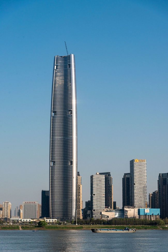 中国未来最高的大楼,投资300亿,高达636米,预计明年竣工